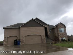 996 Mustang Avenue, Dickinson, ND 58601