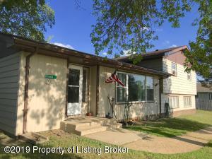 404 3rd Street NE, Belfield, ND 58622