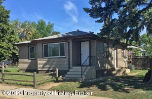 280 9th Street W, Dickinson, ND 58601