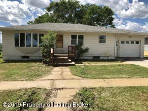 1326 1st Avenue W, New England, ND 58647