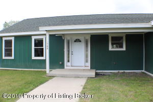 1500 E Pheasant Ridge Street, Watford City, ND 58854
