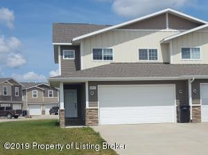 2051 Yellowstone Circle, Dickinson, ND 58601