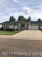 201 7th Avenue NW, Watford City, ND 58854