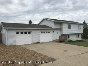 326 17th Street E, Dickinson, ND 58601