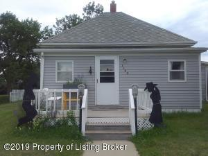 1142 McKenzie Street, New England, ND 58647