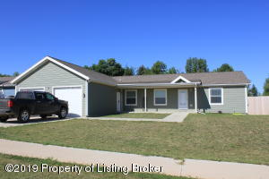 2809 2nd Street NE, Watford City, ND 58854