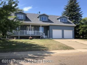 840 11th Street E, Dickinson, ND 58601