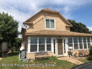 203 1st Avenue NW, Belfield, ND 58601