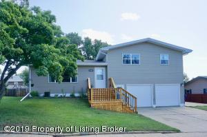 1106 Alder Avenue, Dickinson, ND 58601