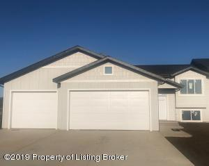 1835 1st Avenue E, Dickinson, ND 58601