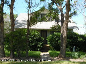 15 Flynn Avenue, Bainville, MT 59212