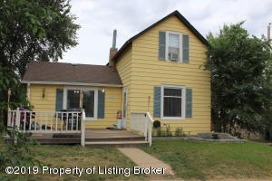 304 2nd Ave N W, Watford City, ND 58854