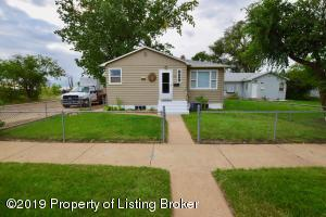 48 S 9th Ave. W, Dickinson, ND 58601