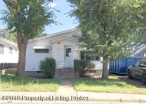 406 4th Street NE, Belfield, ND 58622