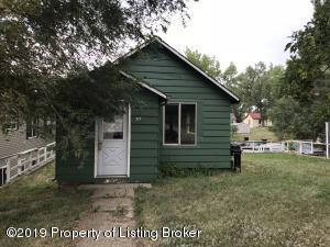 317 3rd Avenue NW, Watford City, ND 58854