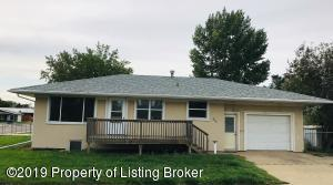 342 1st Avenue SE, Dickinson, ND 58601