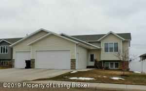 816 17th Avenue E, Dickinson, ND 58601