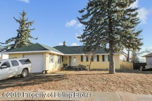 104 4th Street SW, Watford City, ND 58854