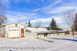 2124 127 Avenue NW, Watford City, ND 58854