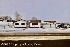 775 4th Ave. E, Dickinson, ND 58601