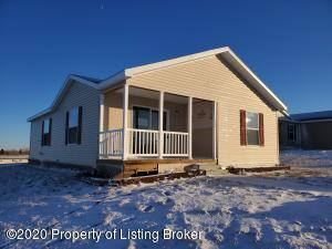 310 7th Street NW, Belfield, ND 58622