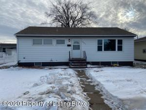 1457 1st Street S, Dickinson, ND 58601