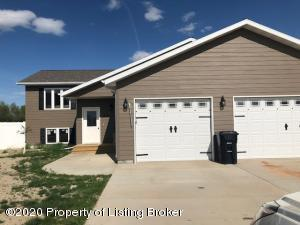 3602 Lyons Avenue, Dickinson, ND 58601