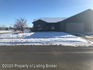2471 4th Street West, Dickinson, ND 58601