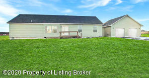 14012 Lakeview Drive, Williston, ND 58801