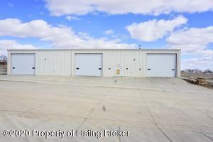 196 23rd Avenue E, Dickinson, ND 58601