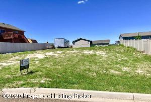 4th Ave E, Dickinson, ND 58601
