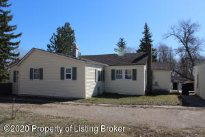 409 2nd Avenue NW, Watford City, ND 58854