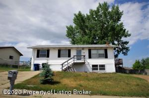 1199 Lincoln Street, Dickinson, ND 58601