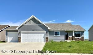 318 27th Avenue NE, Watford City, ND 58854