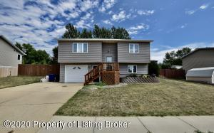 1628 2nd Ave. E, Dickinson, ND 58601