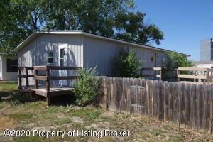 307 2nd Avenue SE, Belfield, ND 58622