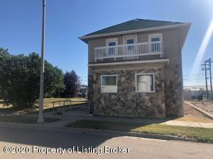 12 1st Avenue W, Williston, ND 58801