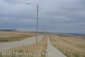 L2B5 Commons Parkway, Watford City, ND 58845