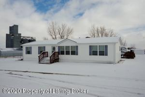 108 3rd Street SE, Belfield, ND 58622