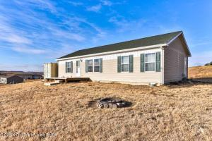 2633 122nd Avenue NW, Watford City, ND 58854
