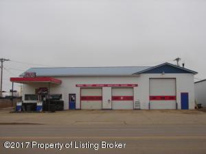 1241 Villard Street W, Dickinson, ND 58601