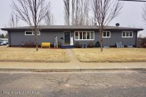 834 10th Street E, Dickinson, ND 58601