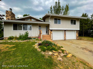 506 Bruce Avenue NW, South Heart, ND 58655