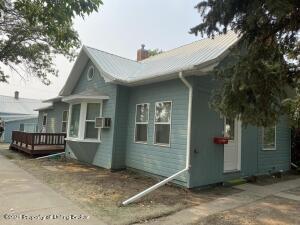 1020 &1024 1ST Avenue E, New England, ND 58647