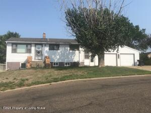 505 1st Avenue SE, Dickinson, ND 58601