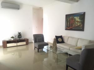 Apartamento En Ventaen Distrito Nacional, El Vergel, Republica Dominicana, DO RAH: 17-598
