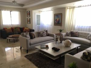 Apartamento En Alquileren Santo Domingo, Piantini, Republica Dominicana, DO RAH: 17-789