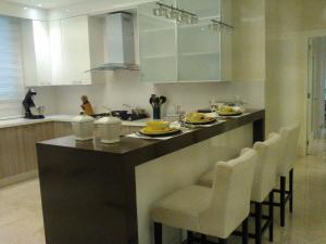 Apartamento En Ventaen Santo Domingo, Piantini, Republica Dominicana, DO RAH: 17-1264