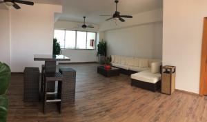 Apartamento En Alquileren Santo Domingo, Paraiso, Republica Dominicana, DO RAH: 18-25