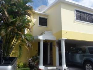 Casa En Ventaen Distrito Nacional, Las Praderas, Republica Dominicana, DO RAH: 18-135